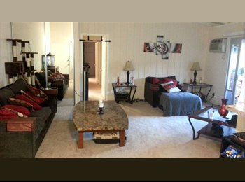 EasyRoommate US - $804 Private room with private bath in 2bdrm - Costa Mesa, Orange County - $804