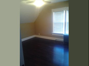 EasyRoommate US - room in remodeled house for rent - Midtown Omaha, Omaha - $375
