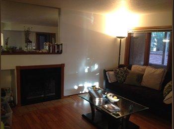 EasyRoommate US - $750 +150$/ 1300ft2 - Short-Term Sublet in Upscale - Boulder, Denver - $750
