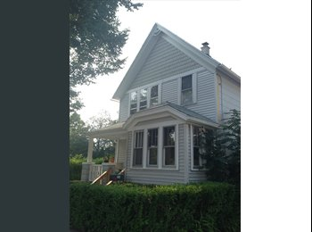 EasyRoommate US - Looking for female sublet for apartment! - Far South Side, Milwaukee Area - $380