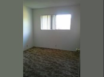 Room available in HB home