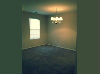 EasyRoommate US - Super Clean, Open Concept 3/2.5 1750 sq ft Home! - Central Nashville-Davidson Co., Nashville Area - $1295