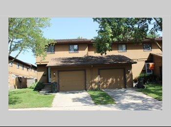 EasyRoommate US - Luxury condo need a roommate - Waterloo, Other-Iowa - $425