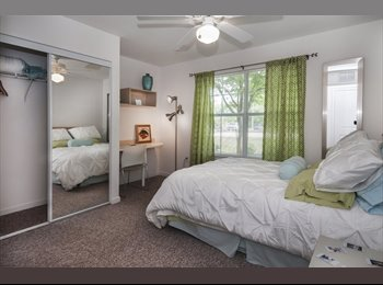 EasyRoommate US - $515 Sublease 2/2 at Cabana Beach (Gainesville) - Gainesville, Gainesville - $515
