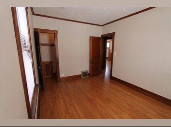 EasyRoommate US - Room in Hancom Park area - Midtown Omaha, Omaha - $350