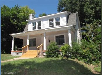 EasyRoommate US - Beautiful Place near UNCG, Downtown, and Friendly - Greensboro, Greensboro - $500