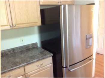 EasyRoommate US - Room for rent in nice townhouse! - Chico, Northern California - $498