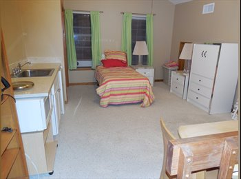 EasyRoommate US - Large Bedroom for rent - Melbourne, Other-Florida - $550