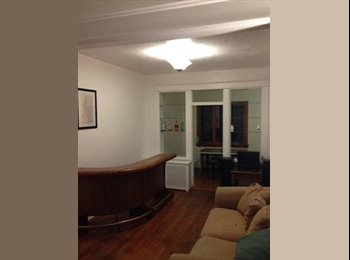 Room available in 3br townhouse