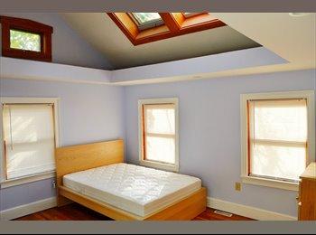 EasyRoommate US - Beautiful renovated bedroom in Fort Hill - Roxbury, Boston - $1050
