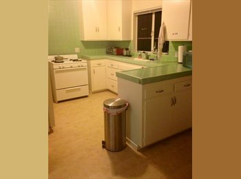 EasyRoommate US - Private room for rent in house with 2 others - Mission Hills, San Diego - $750