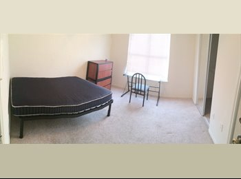 EasyRoommate US -  1 BEDROOM / BATH AVAILABLE in a 2 bedroom APARTMENT! - Southeast Austin, Austin - $625