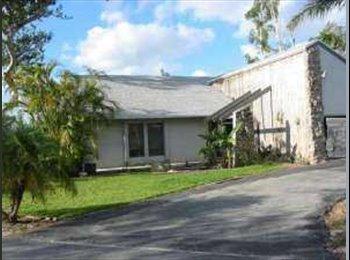 EasyRoommate US - Furnished Room, Pool, quiet safe Neighborhood - Davie, Ft Lauderdale Area - $500