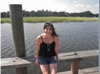 EasyRoommate US - Sarah - 25 - Hampton Area