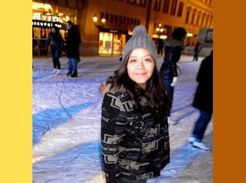 Vanessa  - 24 - Student