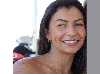 Rafaela - 28 - Student