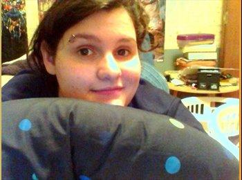 EasyRoommate US - Megan  - 18 - Pittsburgh