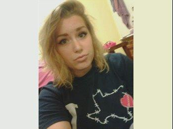 Brianna - 18 - Student