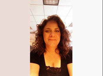 EasyRoommate US - Michelle  - 45 - Nashville Area