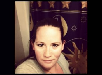 EasyRoommate US - Amy - 27 - Dover