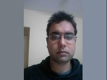 EasyRoommate US - Devashish - 28 - Seattle