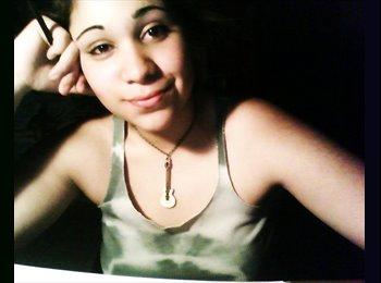 Daniela - 21 - Estudiante
