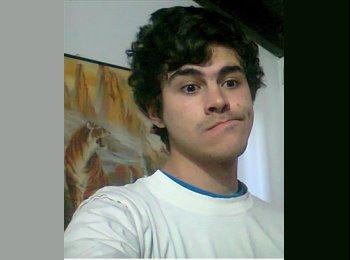 Elias Nicolas - 18 - Estudiante
