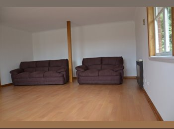 EasyRoommate AU - Two-bedroom very large flat - Newnham, Launceston - $90