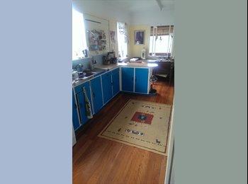 EasyRoommate AU - Single unfurnished room available - Bardon, Brisbane - $150