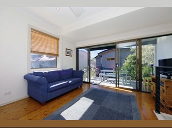 EasyRoommate AU - Room near darby st and the beach available! - The Hill, Newcastle - $200