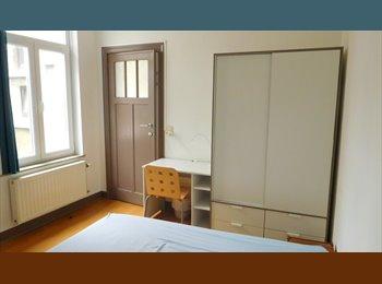 St Gilles 1 chambre à louer pour février 2015