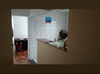 divido quarto e apartamento com moça