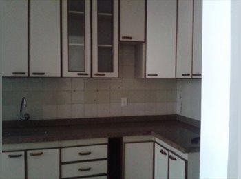 EasyQuarto BR - Apartamento amplo com varanda, no fim da Asa Norte - Asa Norte, Brasília - R$1050