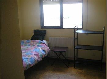 EasyPiso ES - Se alquila habitación para 1 persona con baño zona CC Plenilunio - Barajas, Madrid - €290