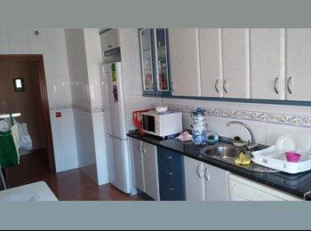 EasyPiso ES - Se alquilan habitaciones - Centro, Almería - €180