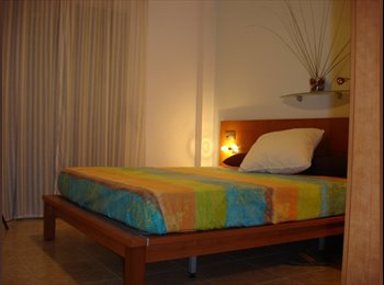 EasyPiso ES - Se alquila habitación en piso amplio y confortable - St Feliu De Llobregat, Barcelona - €300