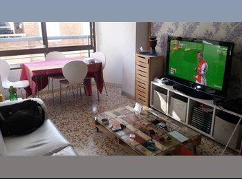 EasyPiso ES - Comparto piso en zona centro - Centro, Almería - €190