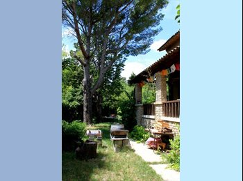 Appartager FR - chambres à louer dans maison du bonheur - Entraigues-sur-la-Sorgue, Avignon - €400