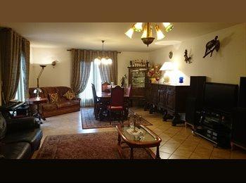 Appartager FR - cherche colocatrice - Meaux, Paris - Ile De France - €550
