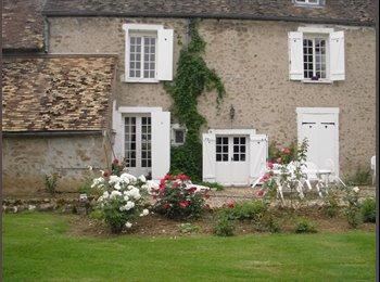 Appartager FR - Chambre agréable et tout confort - Orsay, Paris - Ile De France - €450