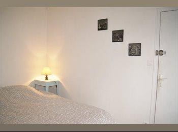 Appartager FR - Chambre avec SDB et WC dans colocation à 3 - Centre, Rennes - €265