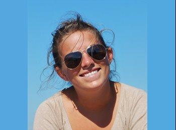 Claire - 25 - Etudiant