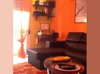 EasyStanza IT - affitto appartamento completo o solo stanze - Livorno, Livorno - €400
