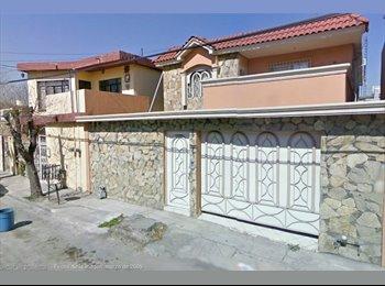 Comparto casa en Mitras centro