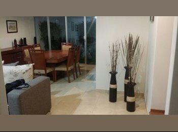 CompartoDepa MX - Recamara grande en casa con baño - Pachuca, Pachuca - MX$4000