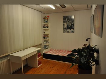 nice room, clean tidy house