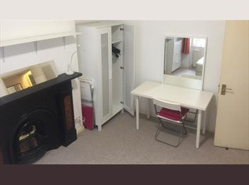 EasyRoommate UK - Large double room in Maida Vale - Maida Hill, London - £542