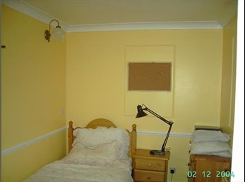 well equipped friendly  house 3 mins wlk stn