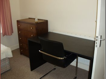 Rooms to rent in shared house