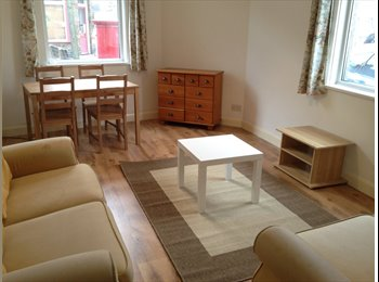 Room ideal for young professionals 10mins to town!